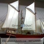 Miniatur Kapal Pesiar Glora dari Kayu