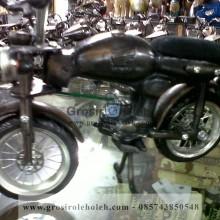 Miniatur Motor Honda CB Mirip, Unik dan Klasik Oleh Oleh Khas Yogyakarta terbuat dari Logam