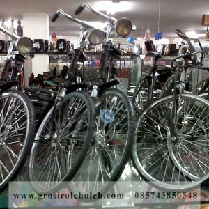 Miniatur Sepeda Onthel Klasik dari Yogyakarta