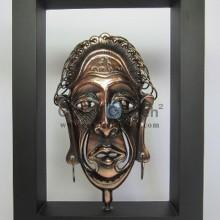 Frame Asmat Mistis dan Artistik Terbuat dari Besi Cor Tembaga serta Kuningan