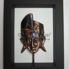 Frame Putra Bali Antik, Artistik, terbuat dari Besi Cor Tembaga dan Kuningan