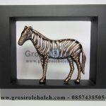 Frame Zebra Unik, Mewah, Artistik, terbuat dari Besi Cor Tembaga dan Kuningan Cocok untuk Kado, Cindera Mata, Koleksi, Penghargaan, Dekorasi Rumah