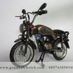 Miniatur Motor Honda CB Klasik Era 80'an Antik, Unik, Artistik Berbahan dari Besi Cor Tembaga dan Kuningan