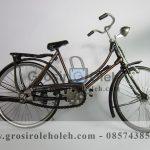 Sepeda Cewek Besar Antik, Unik, Klasik Berbahan dari Besi Cor Tembaga dan Kunningan