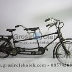 Sepeda Tandem Antik, Unik, Klasik Berbahan dari Besi Cor Tembaga dan Kuningan