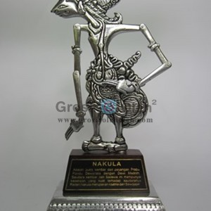 Wayang Klithik Nakula Penuh Story, Antik, Unik, Artistik Berbahan dari Besi Cor Tembaga dan Kuningan