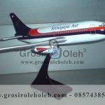 Replika Diecast Miniatur Pesawat Sriwijaya Air B737-200 Ukuran 20cm