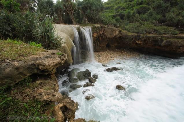 Air Terjun Jogan Yang Penuh Keindahan Alam.jpg