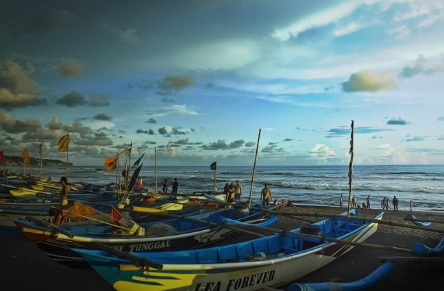 Asyiknya Menikmati Senja di Pantai Depok Bantul Yogyakarta