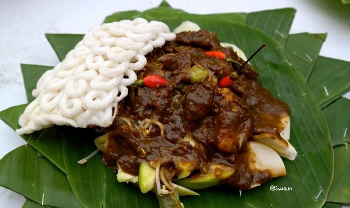Kuliner Rujak Cingur Surabaya yang Enak dan Nyaman untuk di Kunjungi