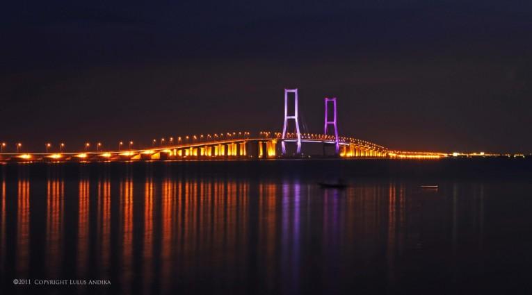 Wisata Jembatan Suramadu yang Indah