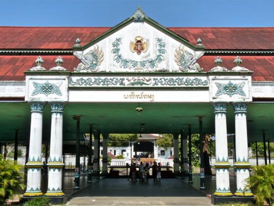 Wisata Keraton Yogyakarta yang penuh Budaya