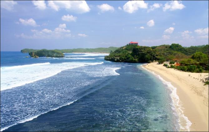 Wisata Pantai Sundak Gunung Kidul yang Masih Fres