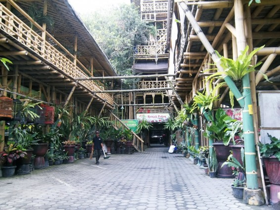 Gubuk Resto di Kedai Rumah Pohon Mas Dewo