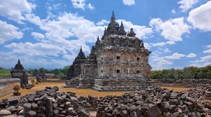 Wisata Ke Candi Plaosan Yogyakarta