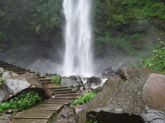 Wisata Air Terjun Coban Rondo yang Indah Dengan Alam yang Mempesona