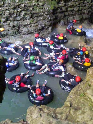 Asyiknya Cave Tubing Kali Suci Gunungkidul
