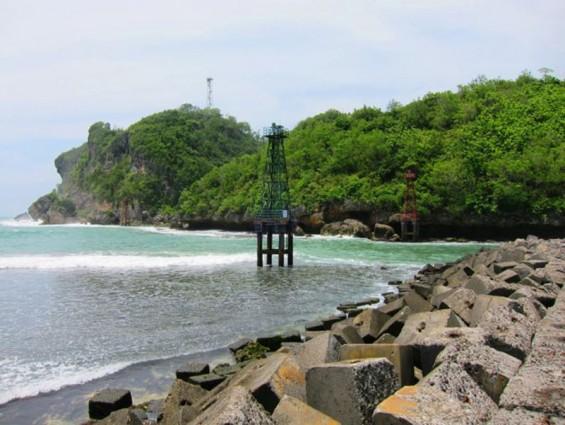 Gardu Pandang Keindahan Tersembunyi Pantai Sadeng Gunungkidul Yogyakarta