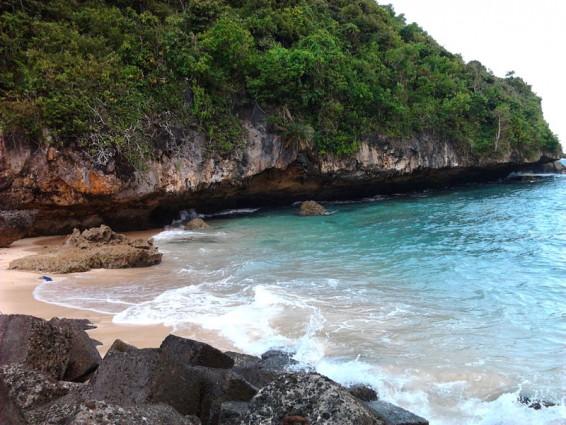 Keindahan Tersembunyi Pantai Sadeng Gunungkidul