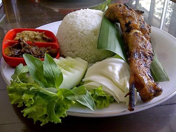Kuliner Lezat Wisata Ayam Panggang 3 Berku Jogja