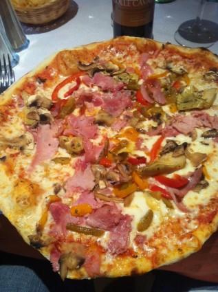 Kuliner Pino Pizza yamg Lezat