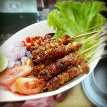 Nikmatnya Kuliner Sajian Bebek di Tempat Makan Sate Pak Encus