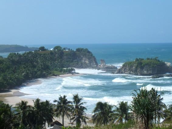 Wisata Pantai Klayar di Pacitan yang Indah Untuk di Kunjungi