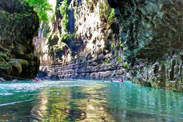 Tempat Wisata Alam Green Cayon Jawa Barat