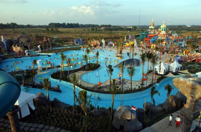 Tempat Wisata Ciputra Waterpark Surabaya