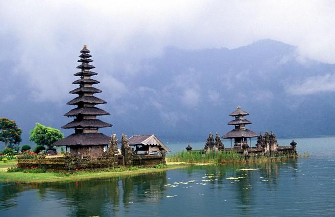 Tempat Wisata Danau Beratan Begudul