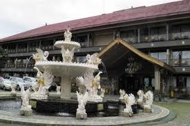 Villa Seruni Pangrango dengan Paduan Gaya Arsitektur Bali dan Sunda