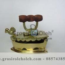 Miniatur Setrika Arang Kuno Gold Antik Artistik